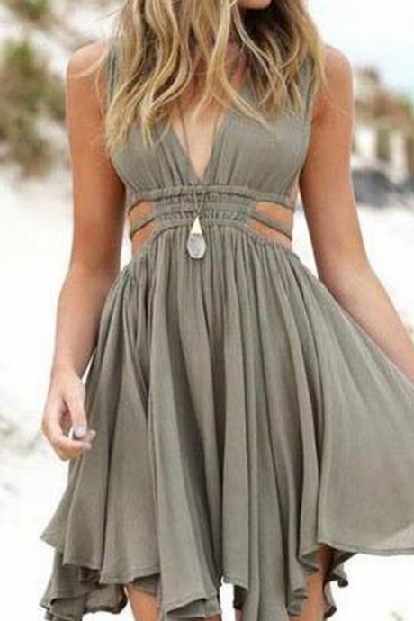 Fashion A-Line Deep V-Neck Sleeveless Chiffon Short Homecoming Dress With Pleats