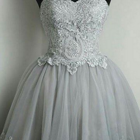 Strapless Sweetheart Neck Grey Homecoming Dresses Lace Appliqued Short Prom Dresses
